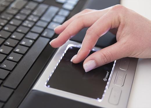 Optapad - Ergonomisk touchpad mus Optapad - Ergonomisk touchpad mus är en  centrerad kontroller ... 81c63aa8b3f5c